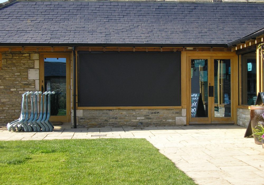 External systems with glass fibre based screens